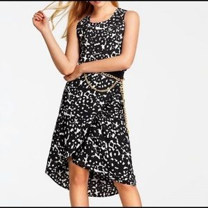 Cabi 5321 Black/White Abstract Floral Dixon Skirt